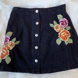 Topshop Denim Embroidered Mini Skirt Size 10